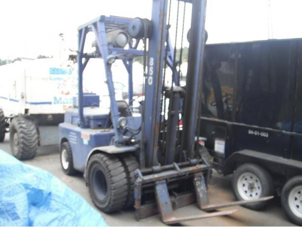 1980 Hyster H80C Forklift 2 Stage Mast Propane