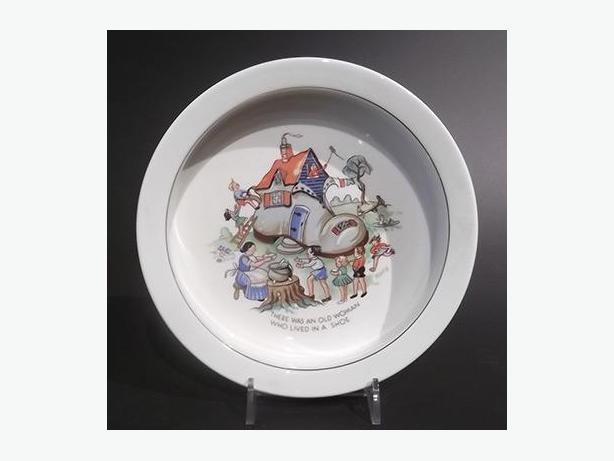 """Vintage """"Old Woman in a Shoe"""" Baby's Plate"""