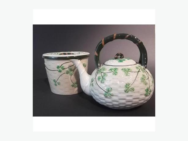 Maruhon Teapot & Cookie Jar