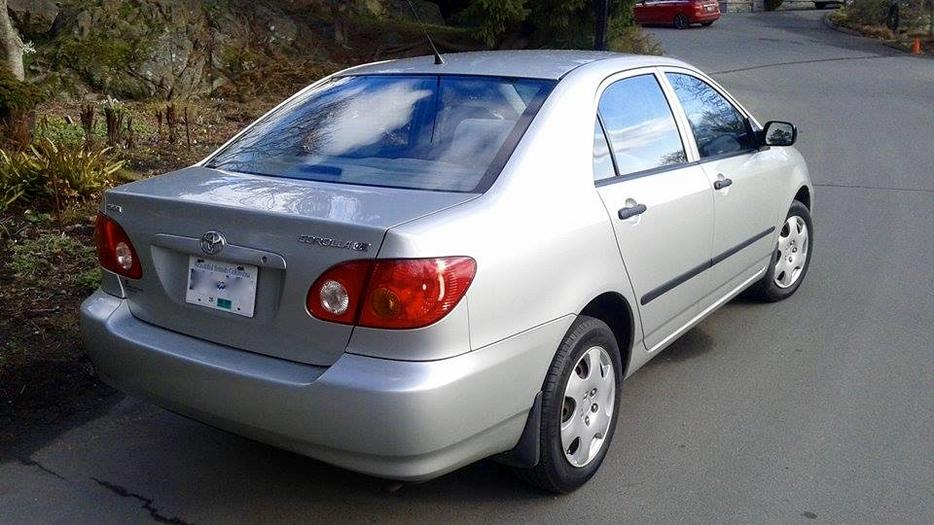 2003 toyota corolla ce great shape excellent fuel. Black Bedroom Furniture Sets. Home Design Ideas