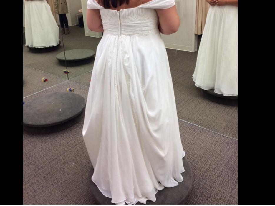 Size 20w stunning weddin dress outside victoria victoria for Used wedding dresses victoria bc