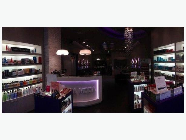 Receptionist For Bella Moda Hair Studio Victoria City