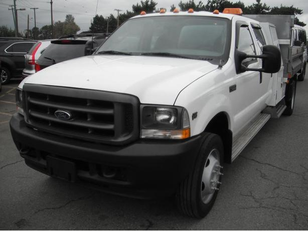 2003 Ford F-550 Crew Cab 2WD Dually with Dump Box