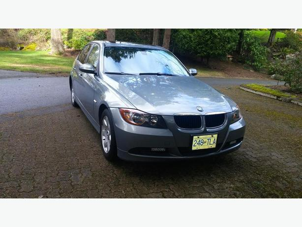OBO 2007 BMW 323i showroom condition
