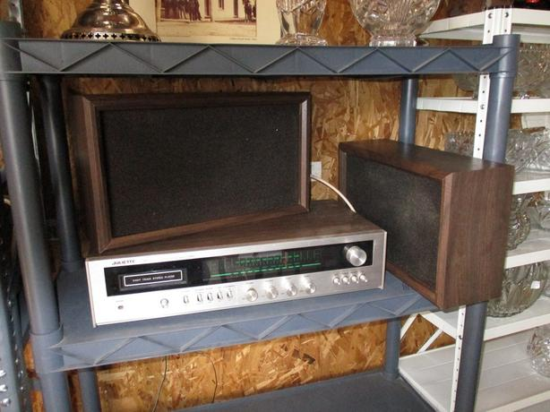 ESTATE EIGHT TRACK PLAYER AND MANY EIGHT TRACK TAPES