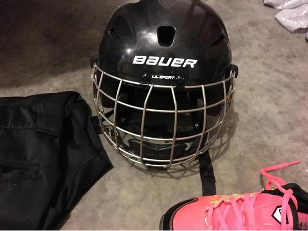 toddlers hockey helmet