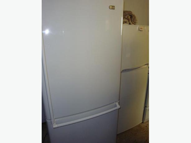 Fridge and stove