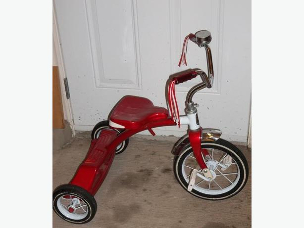 I HAVE 1 TRICYCLES ROADMASTER FOR SALE IN MINT CONDITION.