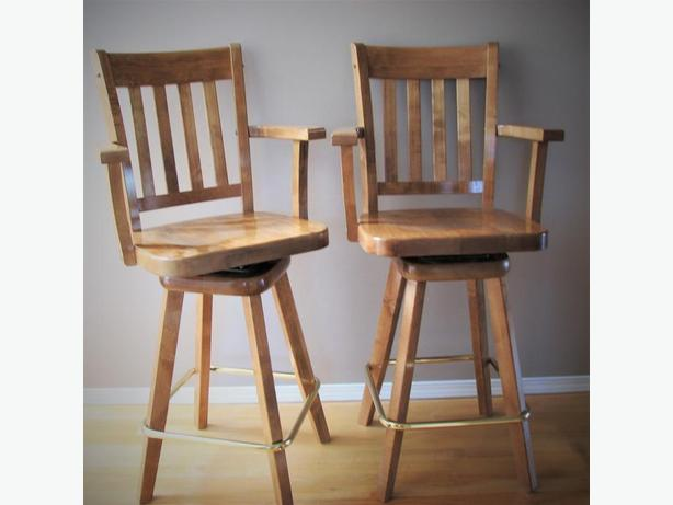 Pair of swivel Barstools