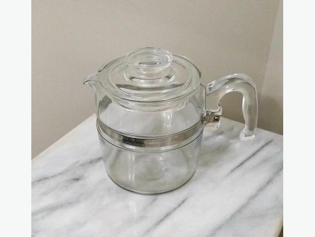 *VINTAGE PYREX 6 CUP COFFEE POT*