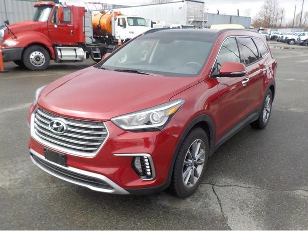 2017 Hyundai Santa FE XL 6 passenger Luxury AWD 3rd row seating