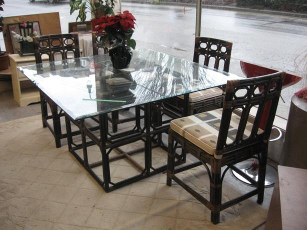 plate glass top 5 piece dining room suite with rattan table frame