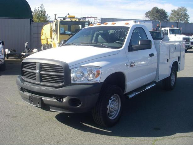 2009 Dodge Ram 3500 HD Regular Cab Diesel with Service Box & Liftgate