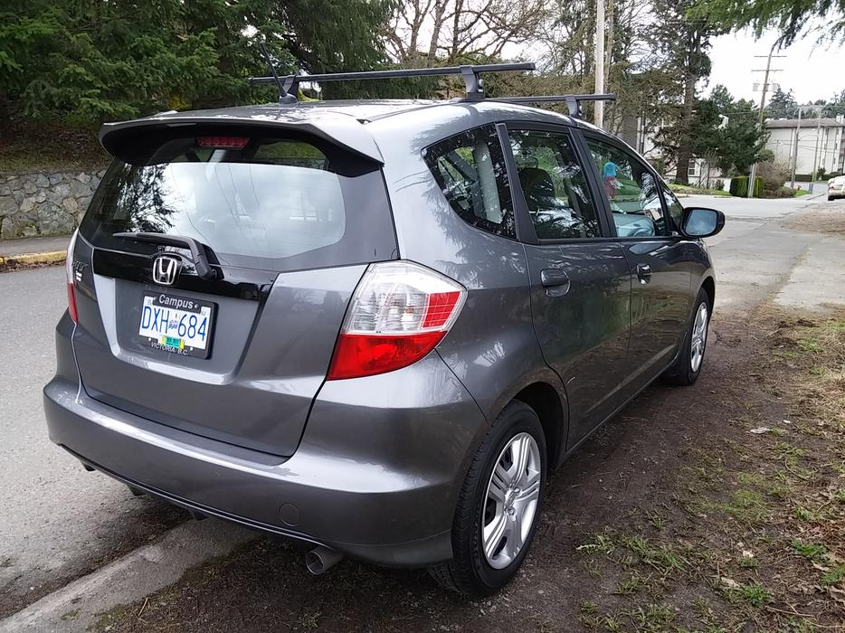 2013 honda fit lx at with thule roof rack amp low mileage saanich victoria