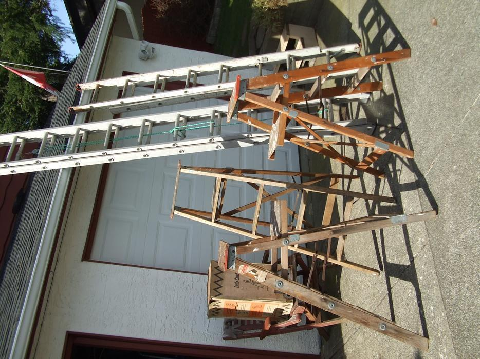 12 Foot Aluminum Step Ladders : Ft and wood step ladder aluminum extension