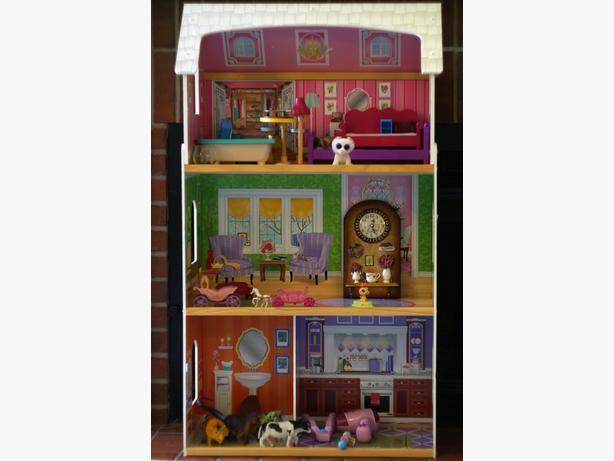 3 Level Dollhouse, girl's toys, books, clock, painting sets