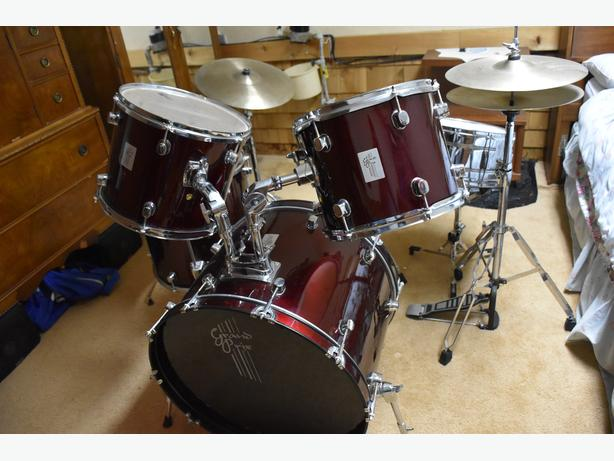 GP Percussion GP100 5-pc Complete Drum Set - Metallic Red