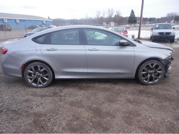 2015 CHRYSLER 200 S, ALL WHEEL DRIVE,