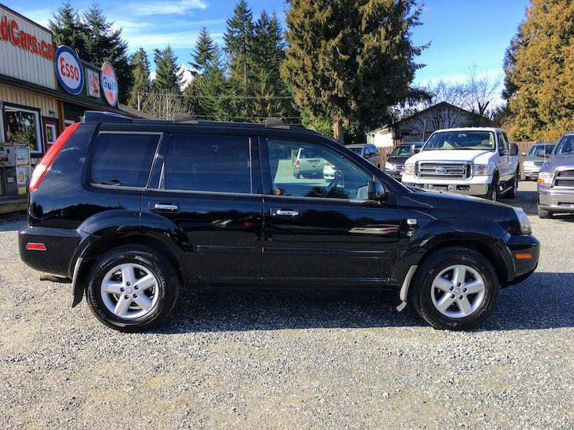 2005 nissan xtrail se fuel efficient 4x4 huge panoramic sunroof outside comox valley comox. Black Bedroom Furniture Sets. Home Design Ideas