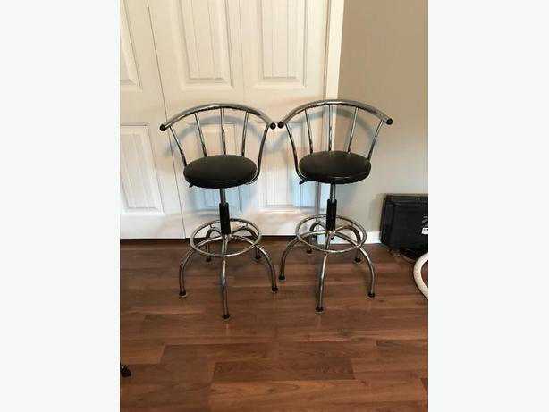 Bar stools West Shore LangfordColwoodMetchosin  : 59261651614 from www.usedvictoria.com size 614 x 461 jpeg 24kB