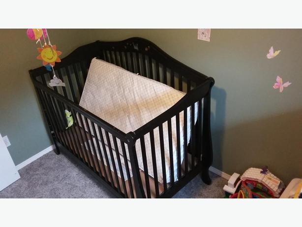 Langford Baby Bed