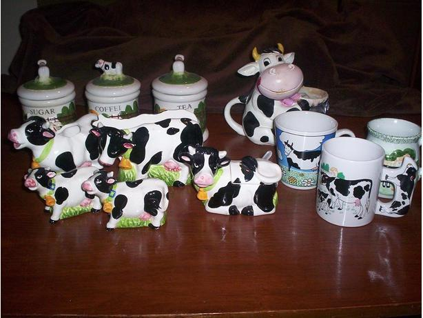 Cow Set Cream and Sugar Set with Cups and Salt and Pepper Shakers