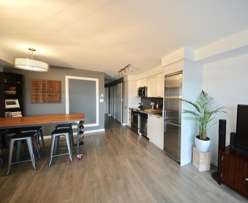 The Terrace Luxurious Condo From Cad Night