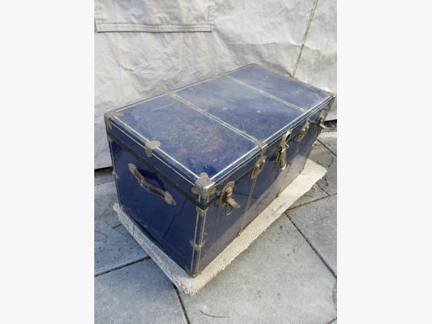 UNCKLS ESTATE STEAMER TRUNK