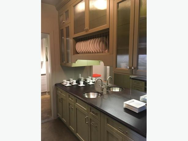 showroom kitchen cabinets for sale kitchen cabinets ex showroom display for 3900 26110