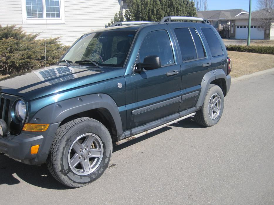 2005 jeep liberty renegade 4x4 north regina regina mobile. Black Bedroom Furniture Sets. Home Design Ideas