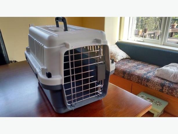 Small Pet Crate For Dog Or Cat Like New Bosley S Brand