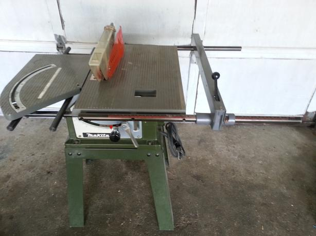 makita table saw model with sliding miter