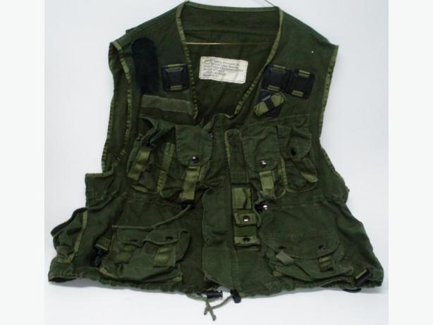 TACTICAL / LOAD BEARING VESTS, CDN MILITARY