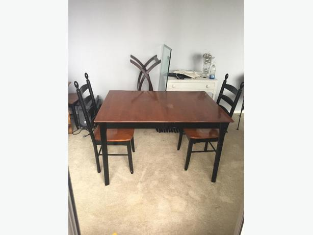 Solid Wood Dining Table And 4 Chairs Esquimalt Amp View