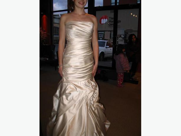 Wedding Dress Alterations Halifax : Never worn allure romance wedding dress size
