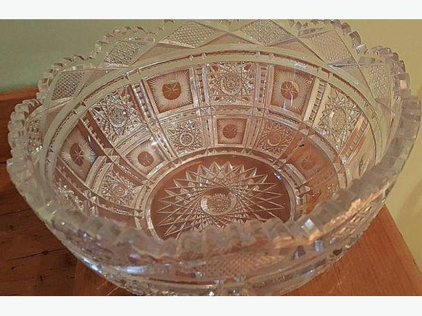 Beautiful Vintage Crystal Bowl