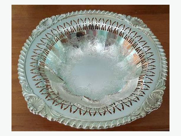 Vintage Silver Plate Pedestal Bowls (2)