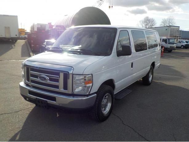 2013 Ford Econoline Extended E-350 XLT Super Duty 15 Passenger Van