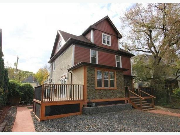 #1-512 Wardlaw Ave - Professionally Marketed by Judy Lindsay Team Realty