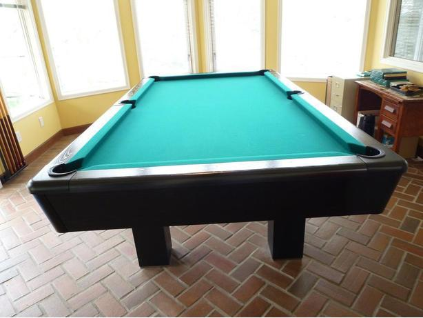 DUFFERIN POOL TABLE AND ACCESSORIES Saanich Victoria - Dufferin pool table