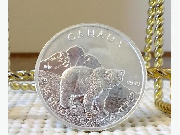 2011 1 oz .9999 SILVER GRIZZLY BEAR COIN