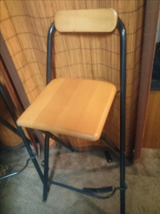 Beautiful Set Of Bar Stools Black Stands With Solid Pine