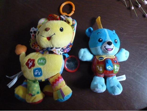 2 Vtech musical toys