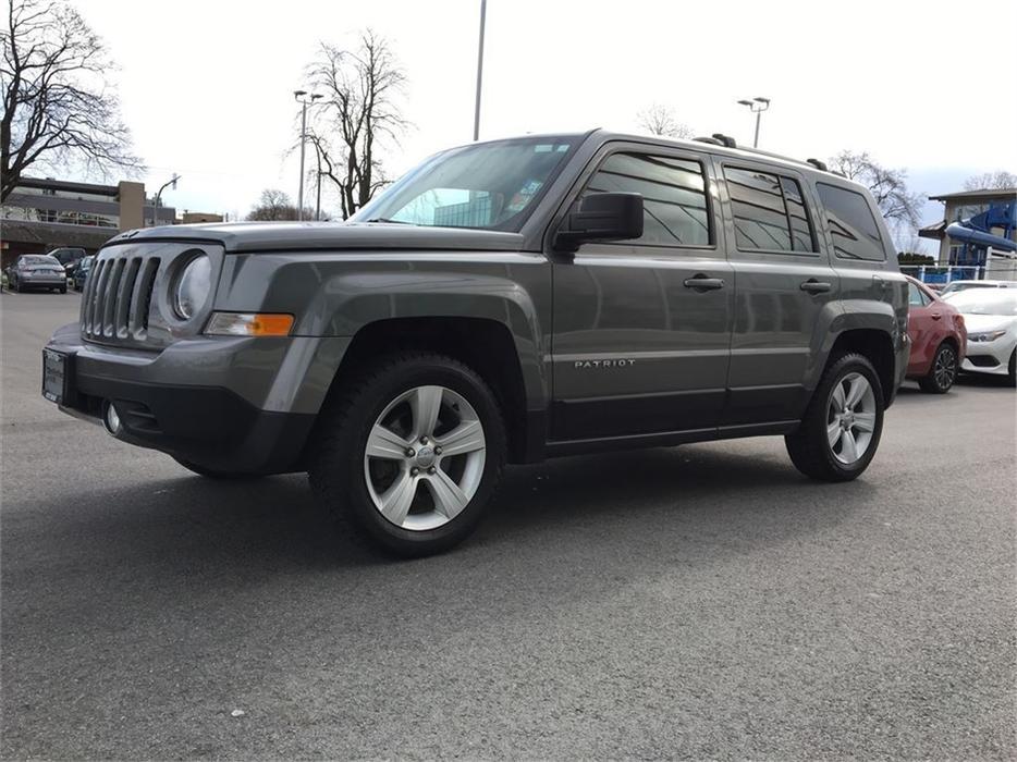 2013 jeep patriot limited awd navigation no accidents. Black Bedroom Furniture Sets. Home Design Ideas