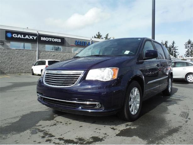 2016 chrysler town country touring backup camera power lift gate west shore langford. Black Bedroom Furniture Sets. Home Design Ideas