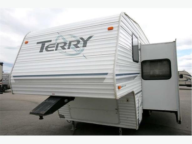 2004 FLEETWOOD TERRY 255BH