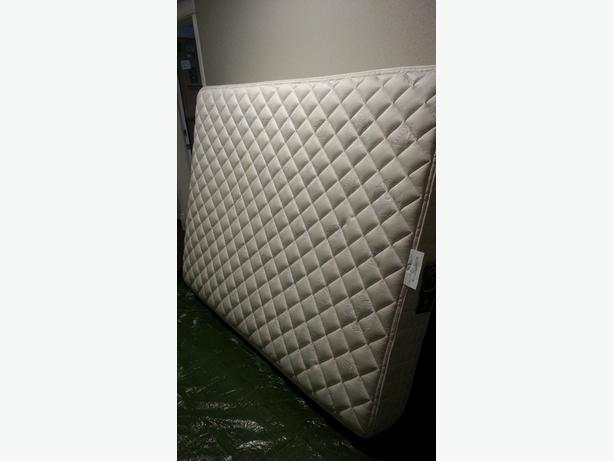 Queen sears-o-pedic mattress & box spring
