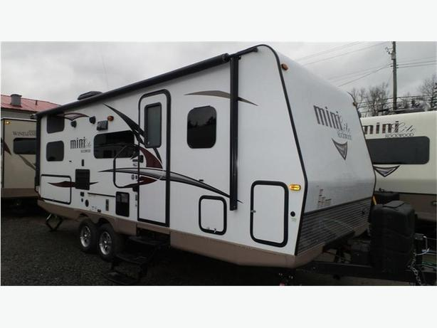 2017 Forest River Rockwood Mini Lite 2509S -