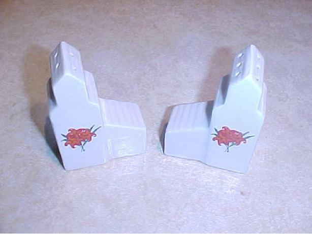 GRAIN ELEVATOR SALT AND PEPPER SHAKERS