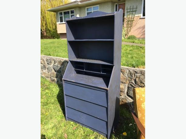 FREE: chalk paint mid-mod shelf and drawers
